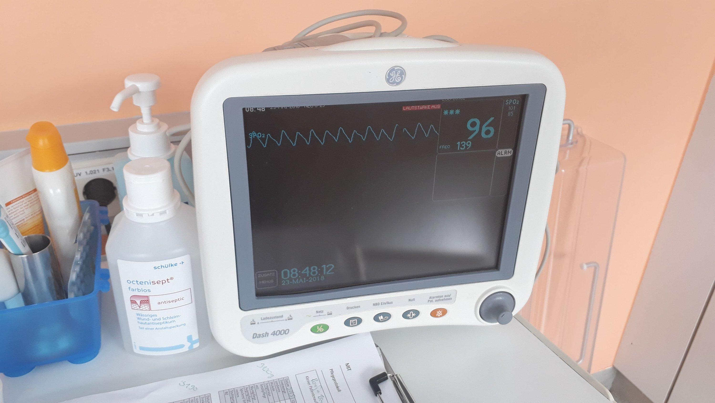 Bild: Monitor mit Sauerstoffsättigung
